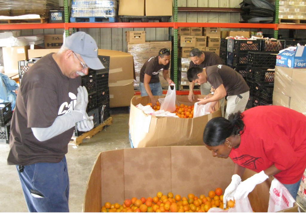 Volunteers Helping Hands Pantry